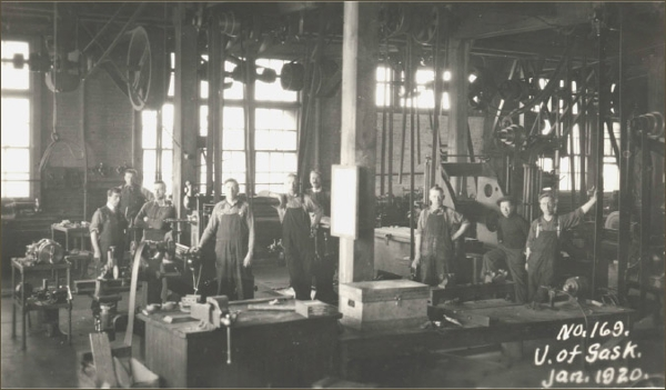 Returned Soldiers Training in the Machine Shop